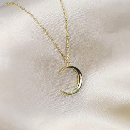 Collar Crescent moon gold